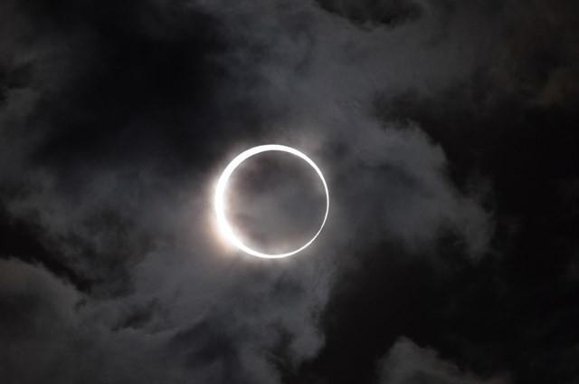 Si estás en el oeste de la península podrás ver parcialmente el eclipse de estelunes