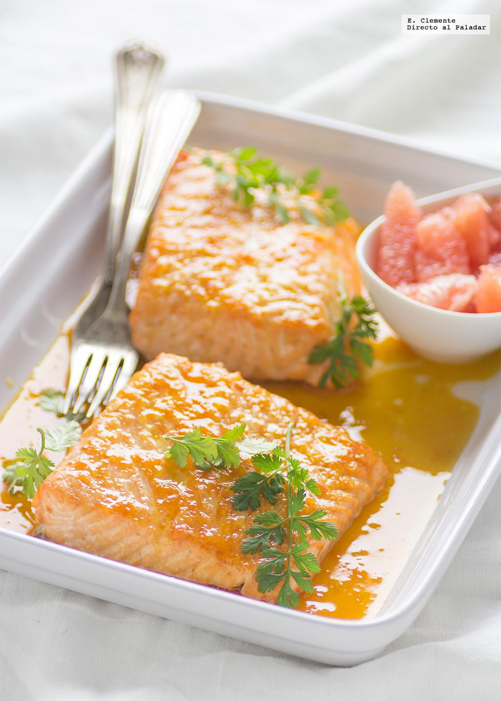 Salmón al horno con salsa de cítricos yjengibre